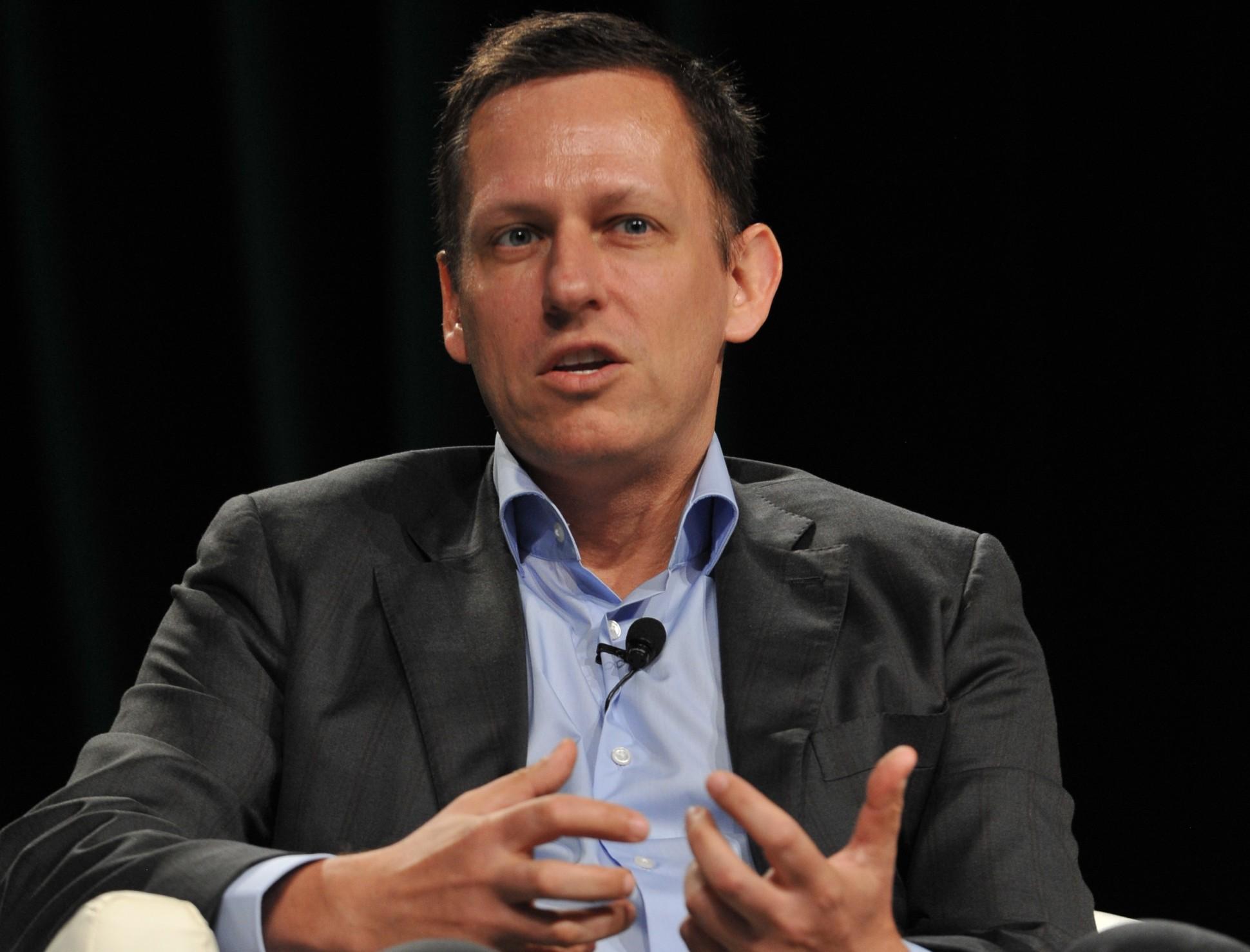 Peter Thiel apple