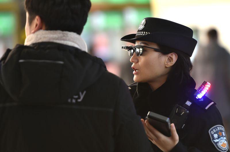 смарт очки полиция